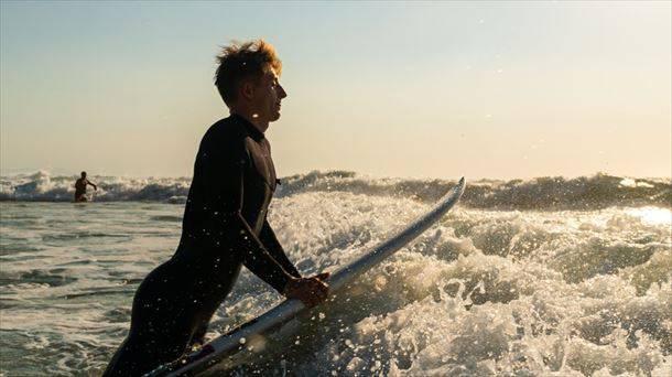 Hasiera ona eman dio Ruben Vitoriak US Open surf txapelketari