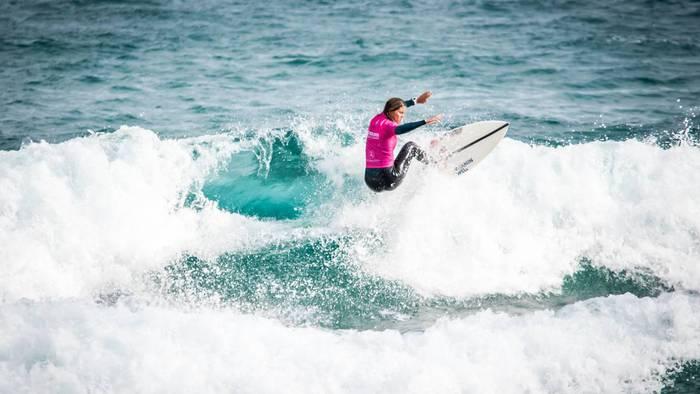 Olaian Euskal Herriko Surfing Txapelketa jokatuko da asteburuan Zarautzen
