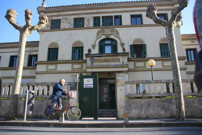 Ebro Etxeaz eta Santa Klara komentuaz bozkatuko dute, besteak beste, osteguneko udalbatzarrean